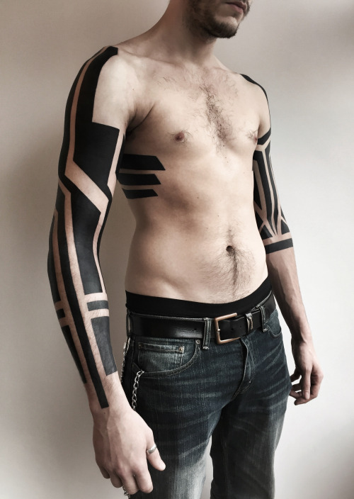 tribal-sleeve-tattoos4