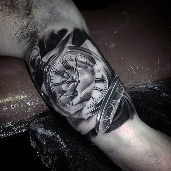 20-time-stopping-tattoos14