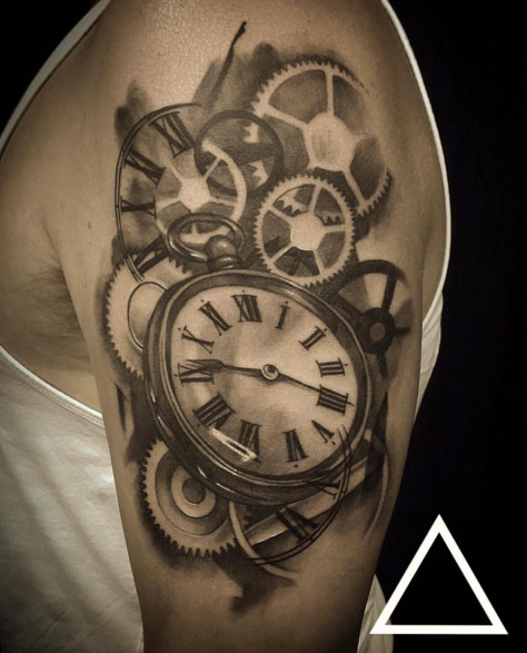 20-time-stopping-tattoos4