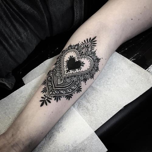 20-gorgeous-tattoos-for-women3