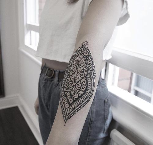 20-gorgeous-tattoos-for-women7
