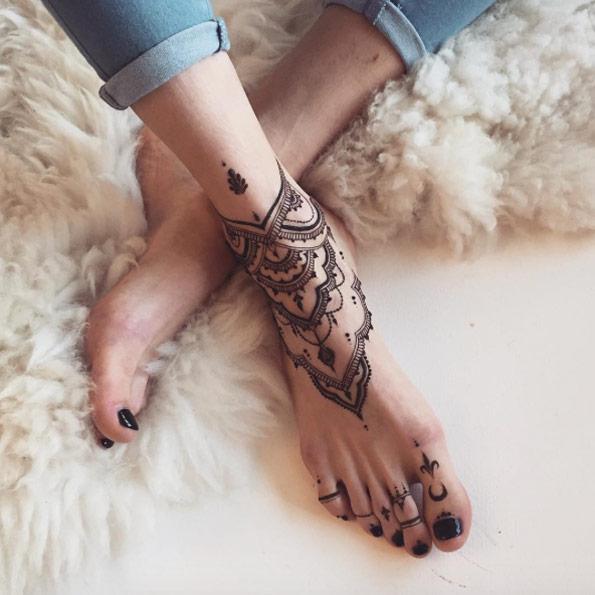 36-mehndi-tattoos-for-women16