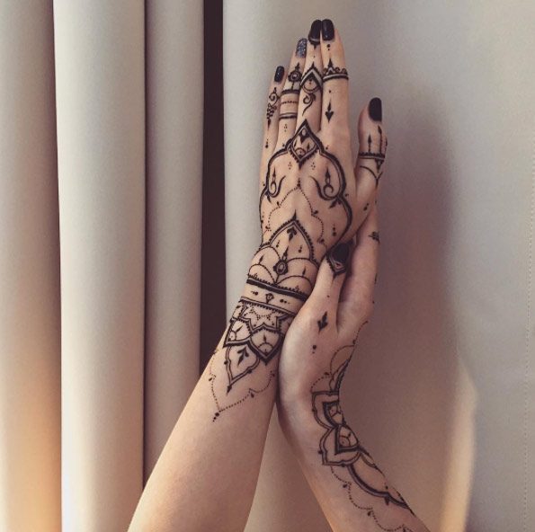 36-mehndi-tattoos-for-women21