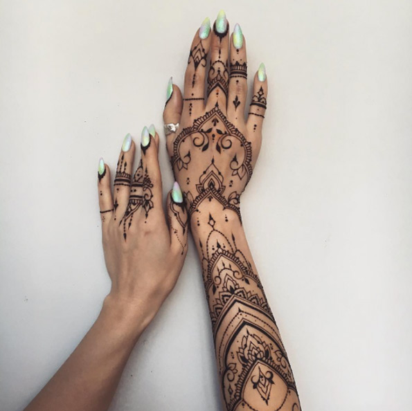 36-mehndi-tattoos-for-women6