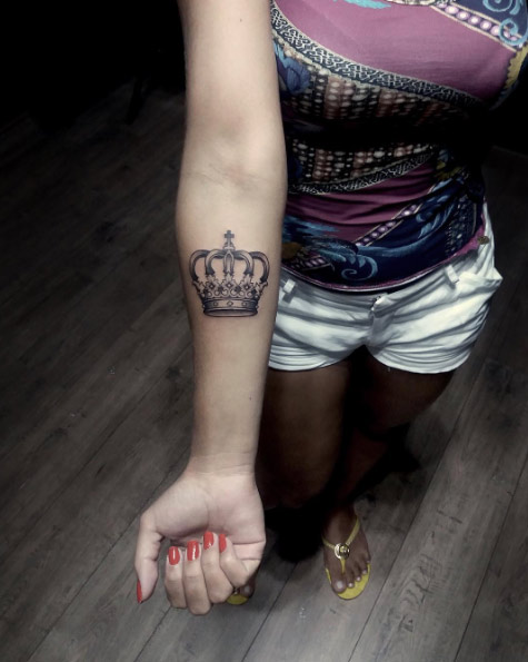 best-crown-tattoo-design