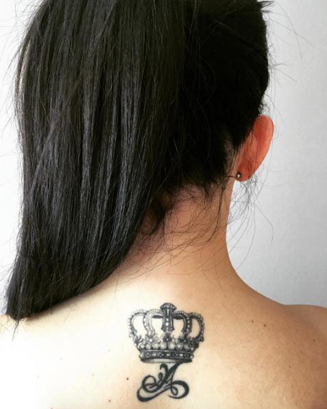 blackwork-crown-tattoo
