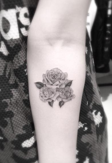 rose-tattoo-design-19
