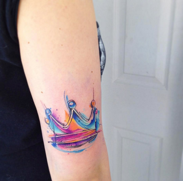 watercolor-crown-tattoo-design