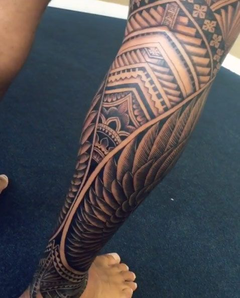 Men leg tattoo designsonpoint tattoos for Thigh sleeve tattoo