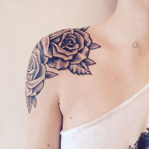 rose-tattoos-on-shoulder2