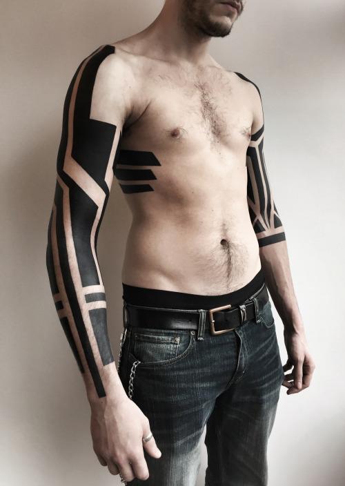 tribal-sleeve-tattoos4