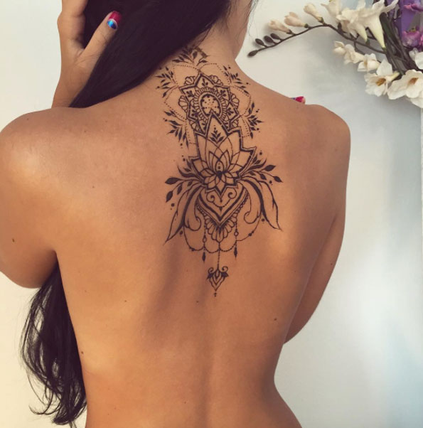 Middle back henna tattoo