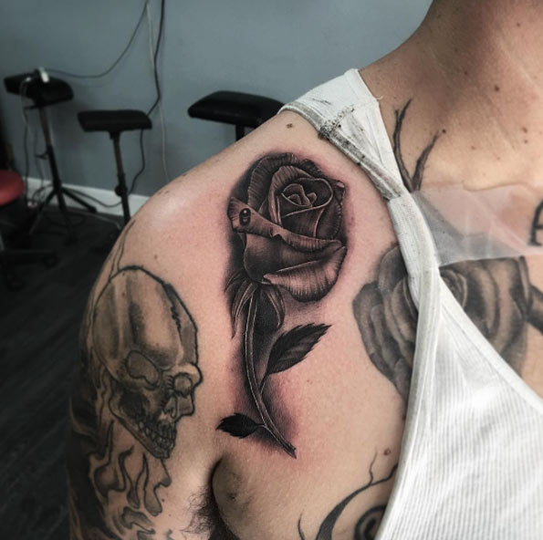 blackwork-rose-tattoo-6