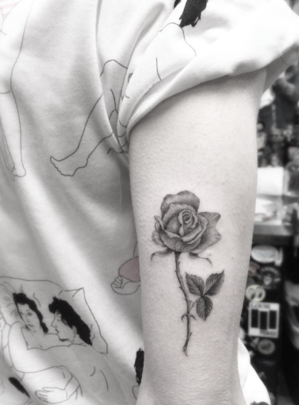blackwork-rose-tattoo