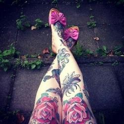 rose tattoo ideas - Knees